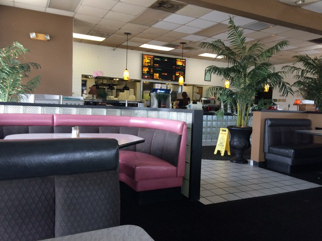 Inside of Roberts Bar B Que - comfortable booths and tables in the dining area